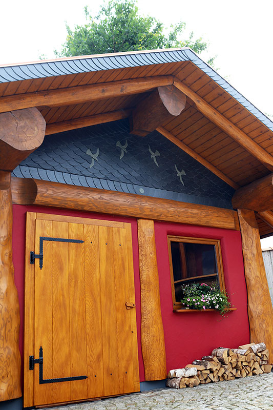 Naturstamm-Gartenhaus 1