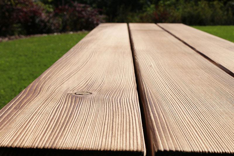 Gebürstete Massivholzmöbel 9