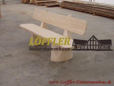 Löffler Naturstammhaus | Blockmöbel Detailansicht