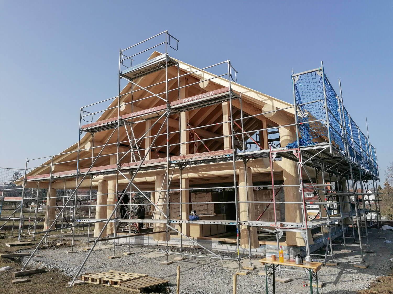 Aufbau Naturstammhaus in Kammerforst