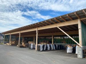 Firmengelände Löffler Naturstammhaus